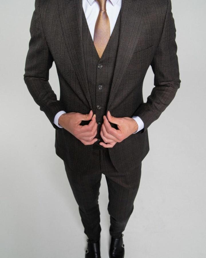 Коричневый костюм-тройка в английскую клетку Sam Jons